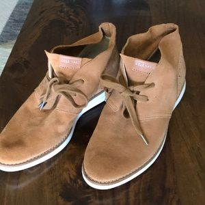 Cole Haan suede tan short ankle boot 6.5
